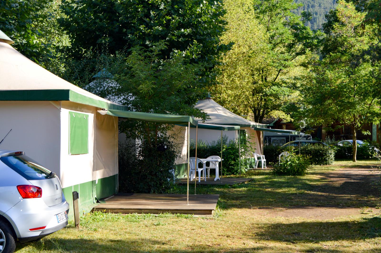 Our rentals : chalets and Bengali tents - Camping du Pré Morjal