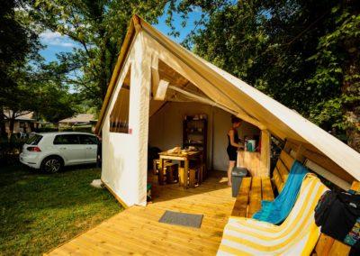 Lodge camping